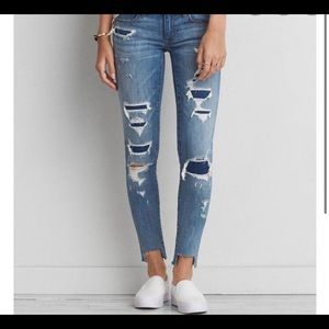 American Eagle Super Low Distressed Jegging Size 8